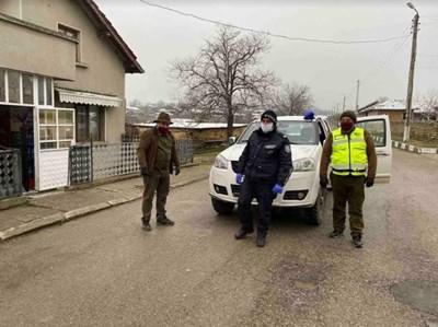 Съвместни екипи на полицията и горските следят дали се спазва карантината в община Омуртаг. СНИМКА: Архив