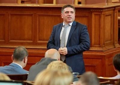 Кирилов е направил организация на оставащото за гласуване до края на политическия сезон.
