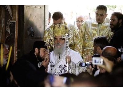Сръбският патриарх Ириней СНИМКА: Архив