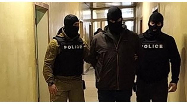 """Съдът остави в ареста зам.-шефа на 3-то РПУ, """"пропуснал"""" да документира кражбата на тото фиш от възрастна жена"""