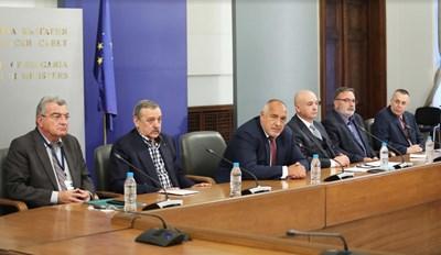 Щабът беше създаден със заповед на министър-председателя Бойко Борисов в началото на пандемията през февруари 2020 г.