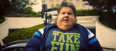 """Ицо хазарта в кадър от клипа на новата му песен """"Гладен"""" СНИМКА: Кадър: You Tube"""