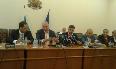 """Министърът на транспорта Росен Желязков покани новите евродепутати и превозвачите, за да изработят общи действия по пакета """"Мобилност"""". СНИМКА: Снимка: Авторът"""