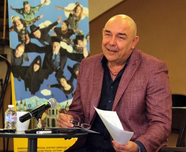 Шефът на Сатирата не вярва ситуацията в България да се промени