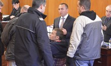 Миню Стайков свалил 10 кг в килията, дойде с инвалидна количка в съда (Обзор)