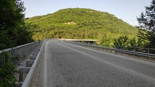 Делян изхвърлил с един замах 4-годишния си син от 30-метровия мост над Янтра  - 24chasa.bg