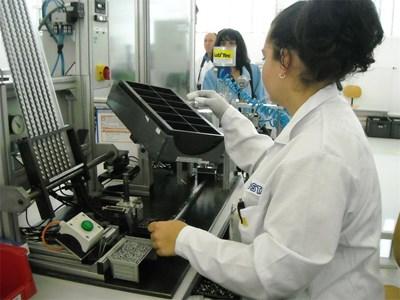 """Чуждата компания """"Костал"""" има завод в Смолян, където се правят части за """"Мерцедес"""", БМВ и """"Ауди""""."""