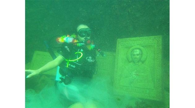 В Приморско готвят първата сватба в единствения в Европа подводен параклис