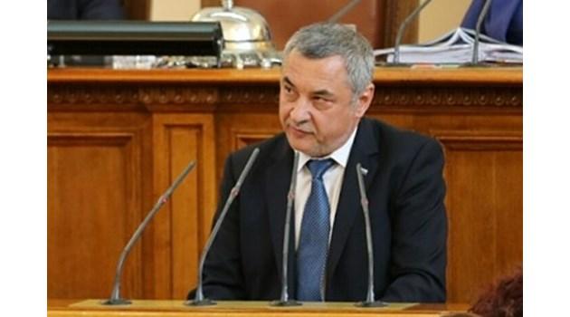 Симеонов: Борисов да си огледа министрите, има още такива с евтини апартаменти