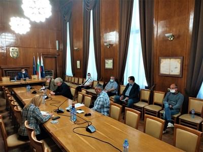 Щабът в Бургас одобри предложението на кмета Димитър Николов за масово изследване с бързи тестове. СНИМКА: Архив