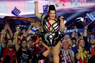 Нета Барзилай откри първия полуфинал на Евровизия.  СНИМКИ: РОЙТЕРС