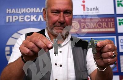 Проф. Николай Овчаров  СНИМКИ: Десислава Кулелиева СНИМКА: 24 часа