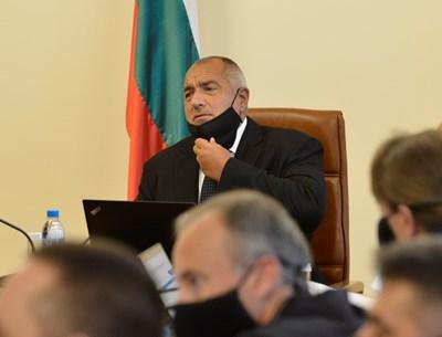 Борисов и министрите бяха с маски по време на заседанието на правителството. СНИМКА: ЙОРДАН СИМЕОНОВ