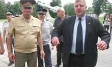 """Каракачанов за министър на """"Атака"""": Или си мъж и имаш гащи, или нямаш (Обзор)"""