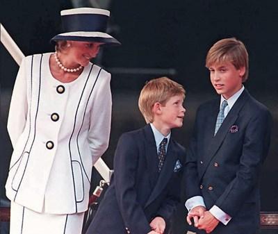 Принцеса Даяна заедно със синовете си Уилям и Хари.