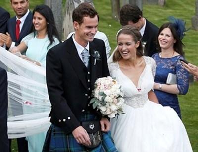 Тенисистът Анди Мъри съобщи в туитър, че се е оженил без нито една дума, само с 51 пиктограми СНИМКА: РОЙТЕРС