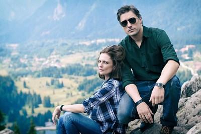 Теодора Духовникова и Владо Карамазов  по време на снимките на сериала, които  бяха в Родопите.