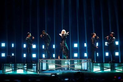 """Представителите на България на Евровизия през 2018 г. """"Екуинокс"""" пеят на конкурса."""