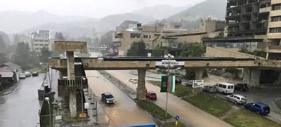 Пороен дъжд превърна главния булевард и улиците в Смолян в реки. СНИМКА: Авторът