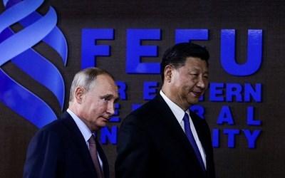 Владимир Путин и Си Дзинпин  СНИМКА: Ройтерс