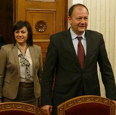 Бивш и настоящ председател спорят за парите и начина на управление на БСП.
