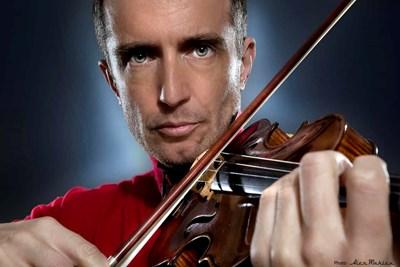 Виртуозният френски цигулар Теди Папаврами