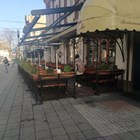 През уикенда ресторантьорите трескаво се подготвяха за отварянето на 1 март. Снимки: Авторът