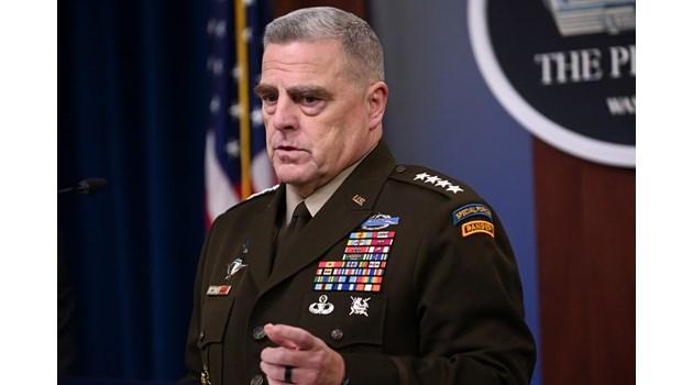 Генерал №1 на САЩ тайно звънял на китайския си колега