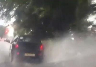 Улиците в Сливен са наводнени. Кадър: Би Ти Ви