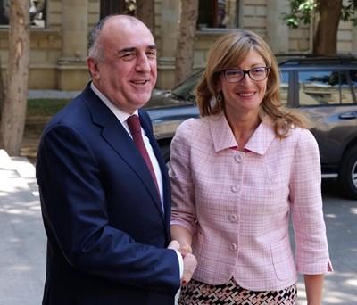Българският първи дипломат е на официално посещение в Баку. Снимки МВнР