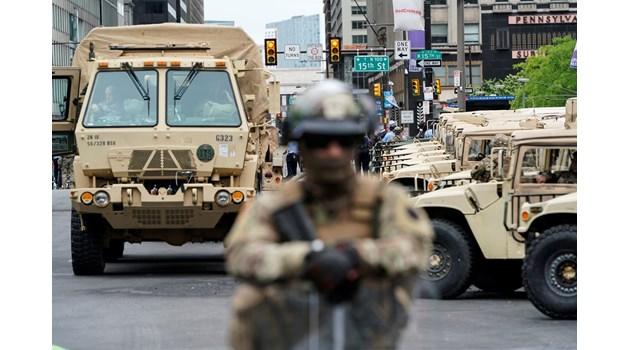 Гвардията на САЩ влезе в Чикаго, достъпът до центъра е ограничен