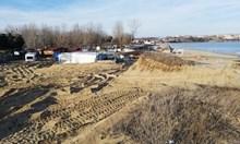 """Първо в """"24 часа"""": Над 1 декар са унищожените пясъчни дюни в къмпинг """"Смокиня"""" (Видео)"""
