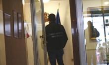 5-има лекари и сириец арестувани за измами с ТЕЛК във Варна (Обзор)
