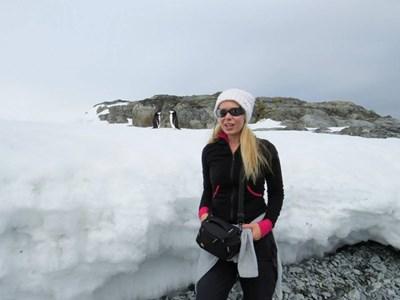 Людмила Филипова, докато беше на Антарктида
