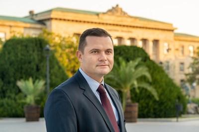 Пенчо Милков е толкова силно свързан с Русе, че два пъти отказва да е депутат през годините