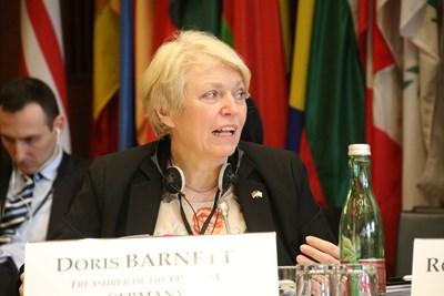 Дорис Барнет