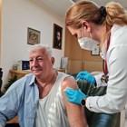 Здравко Димитров получи втората си доза ваксина.