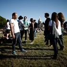 Франция се връща към нормалното си ежедневие