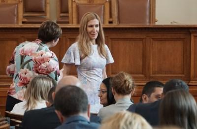 Ангелкова заедно с шефката на правната комисия Ана Александрова по време на дебатите за Закона за концесиите. СНИМКА: Десислава Кулелиева