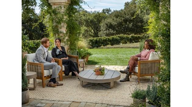 24 часа до ужаса за британското кралско семейство: Меган и Хари искат хем да са короновани особи, хем холивудски звезди
