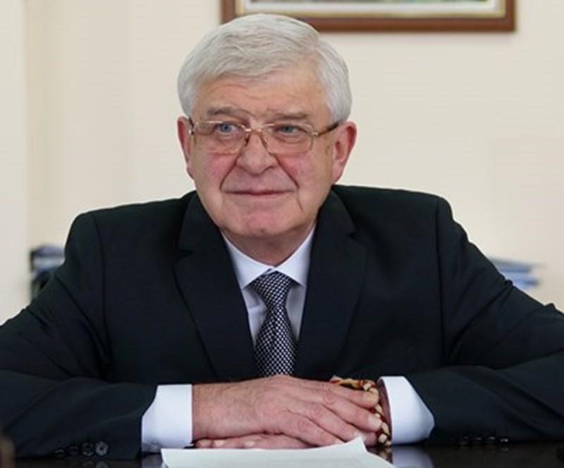 Здравният министър Кирил Ананиев