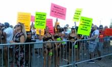 """""""Г-н Симеонов, не ни гонете в Гърция"""", на протеста в Слънчев бряг (Снимки)"""