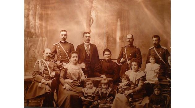 След 100 години изплува истината за мистериозната смърт на музата на Дебелянов