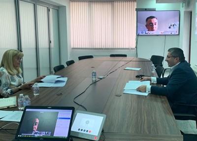 Регионалният министър Петя Аврамова и заместникът й Николай Нанков разговарят онлайн с ръководството на НСОРБ