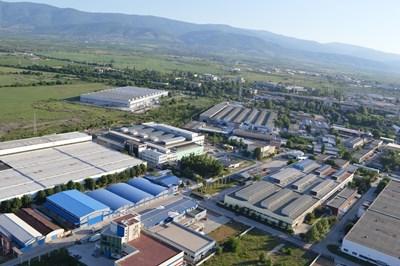 Чуждестранните компании харесват условията  за бизнес в България. Това е причината през последните години да има построени доста нови заводи.