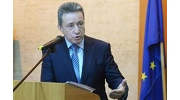 Съдия Алексей Трифонов няма българско гражданство