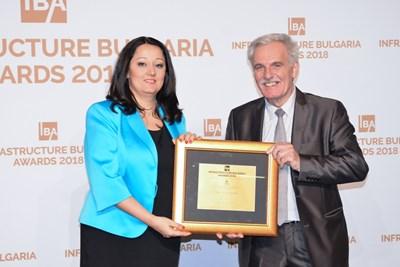 Министърът за Българското председателство на Съвета на ЕС Лиляна Павлова поздравява зам.-кмета Меразчиев
