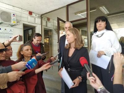 Дани Каназирева събира областния кризисен щаб утре да набележат нови мерки на местно ниво.