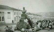 Заради грозен нос и малки очички събарят паметник на цар Борис III