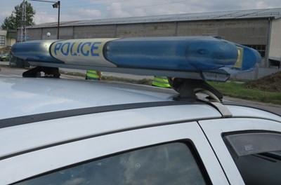 Трима преспаха в ареста във Велико Търново за юмрук в лицето на полицай